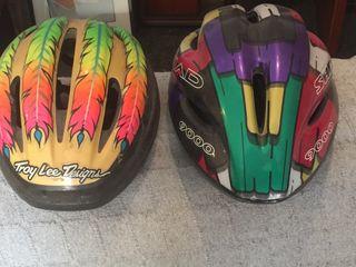 Dos cascos de bici 10 € cada uno