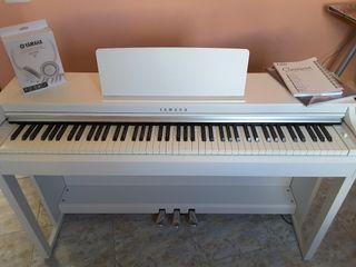 Piano Yamaha Clarinova CLP-525