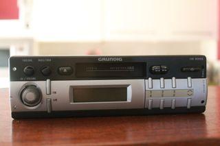 Casete de radio de coche clásico - Grundig 1500VD