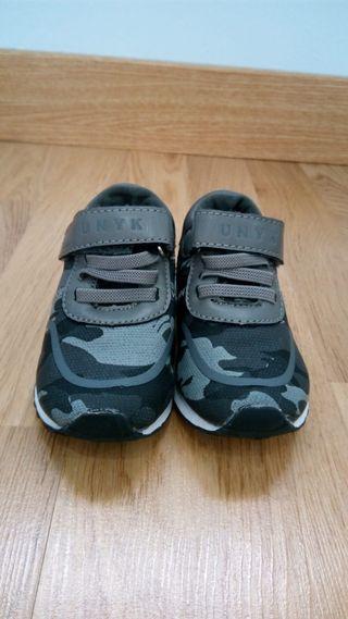 Zapatillas niño Talla 22
