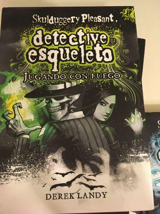 Colección Detective Esqueleto