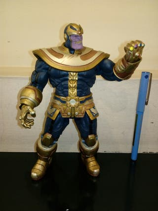 Thanos Disney Marvel Deluxe.
