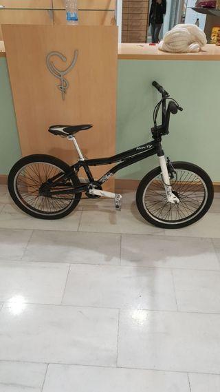 Bici BMX de niño
