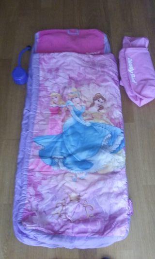 Saco de dormir infantil princesas.