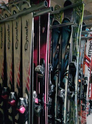 Esquís de segunda mano. Provinientes de Francia