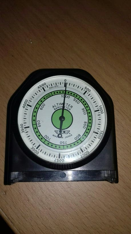f408886b9 Altimetro barómetro de segunda mano por 14 € en Terrassa en WALLAPOP
