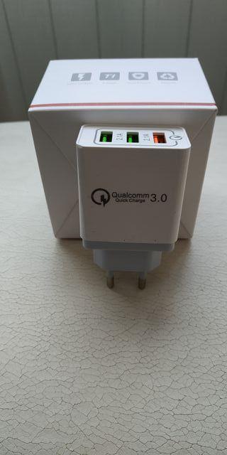 Cargador triple QC 3.0