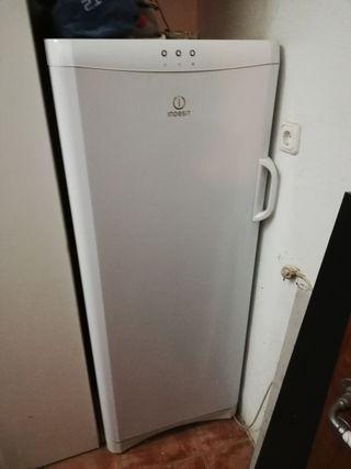 congelador apenas usado
