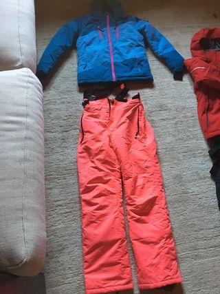 Equipo ropa esquiar