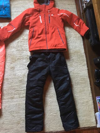 Equipo esquiar niño