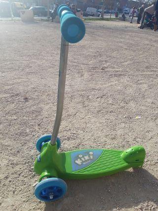 Patinete Razor de 3 ruedas como Nuevo