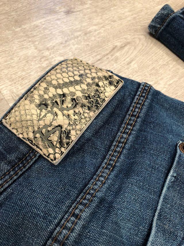 Pantalon Pitillo Vaquero Bershka Mujer De Segunda Mano Por 12 En Coslada En Wallapop