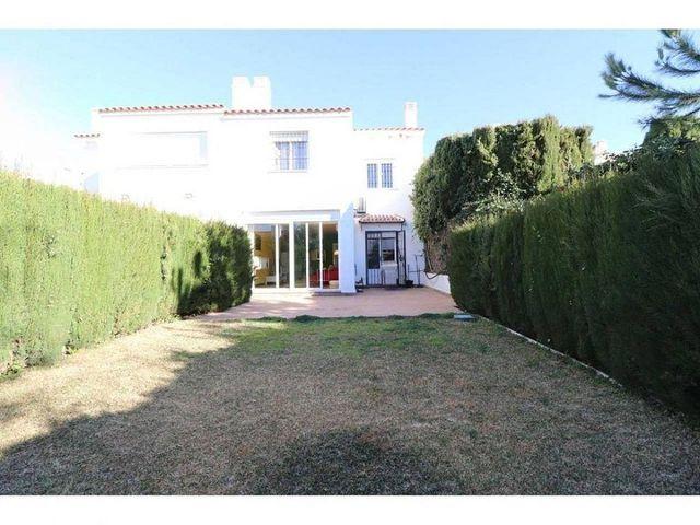 Casa adosada en venta en Añoreta Golf - Paraíso del Sol en Rincón de la Victoria (Benagalbón, Málaga)