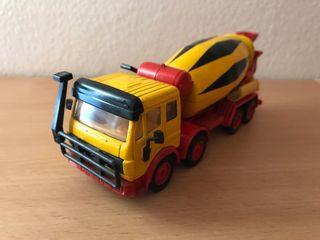 Precioso camión hormigonera MERCEDES Siku 1:50