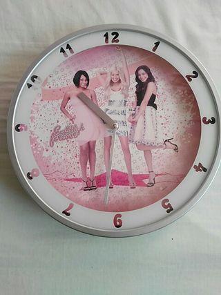 Reloj habitación juvenil
