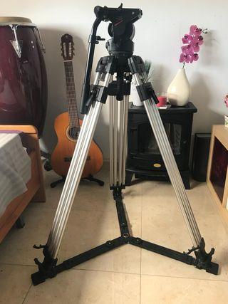 Trípode Manfrotto 510 profesional cine video