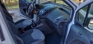 Furgoneta Ford Tourneo Courier 2017