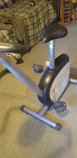Bicicleta estatica Decahtlon