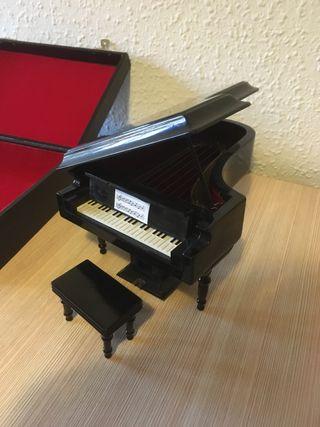 Piano minuatura