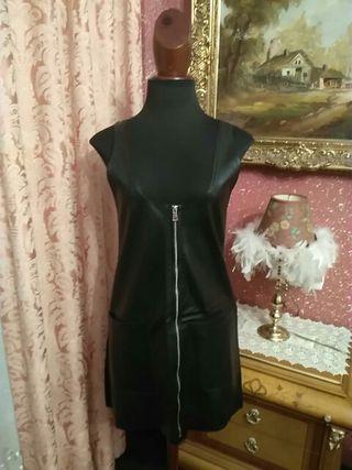 vestido peto Pichi polipiel zara talla M