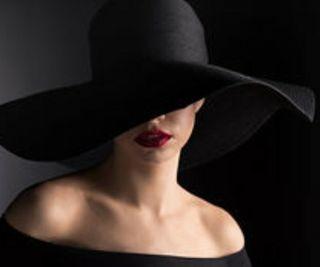 Sombrero negro mujer