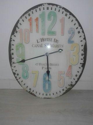 3948676420e Reloj de pared de segunda mano en Cádiz en WALLAPOP