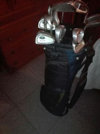 bolso y palos de golf