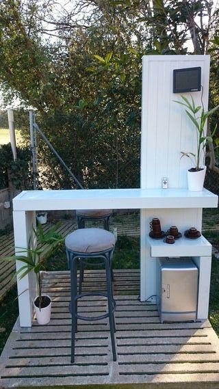 Barra bar minimalista jardín
