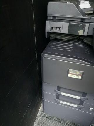 Kyocera Fotocopiadora Multifuncional A3 Color