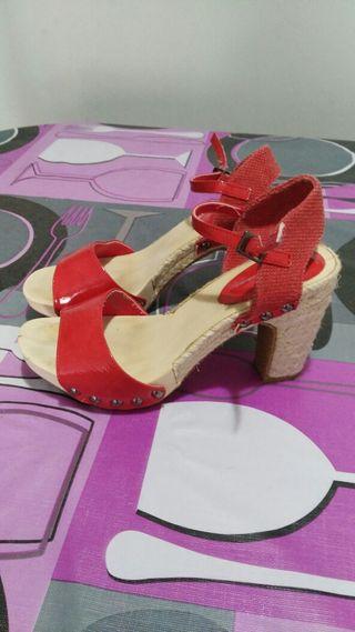 sandalias tacones