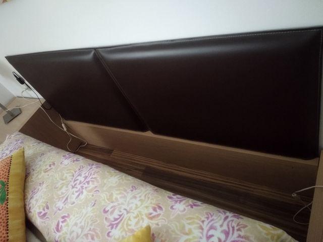 cabecera cama + mesitas + 2 lamparas