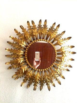 Antiguo espejo sol lámpara pan de oro