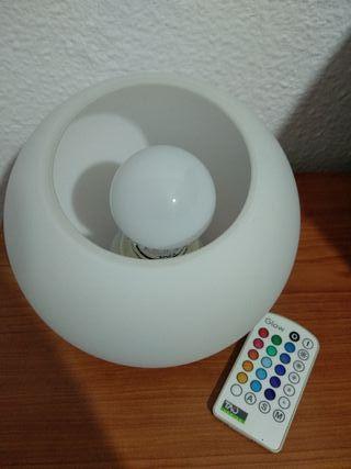 lámpara ovalada.