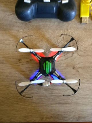 Minidrone de bolsillo Eachine H8 mini