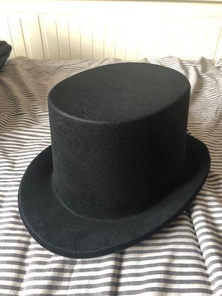 165bcfc6abc3b Sombrero de copa de segunda mano en la provincia de Madrid en WALLAPOP