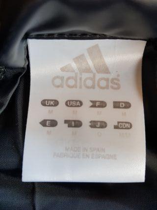 Chubasquero Adidas.