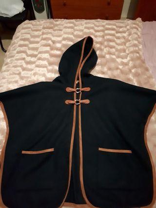 Abrigo de capa