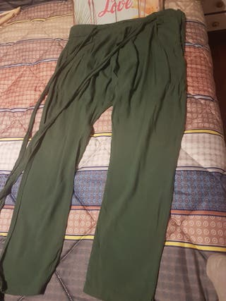 ad7f0854d5 Pantalones Zara de segunda mano en San Bizenti-Barakaldo en WALLAPOP