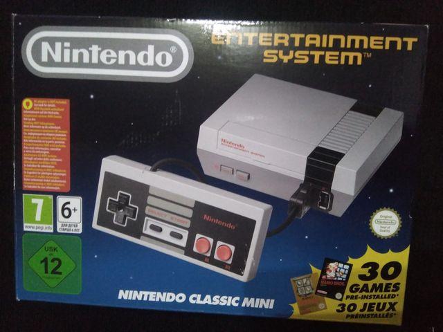 nintendo NES mini + funda + cargador