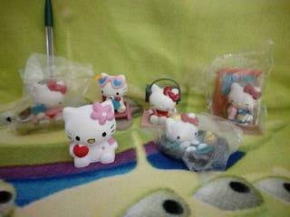 LOTE 4 - FIGURAS PVC HELLO KITTY DISNEY MANGA