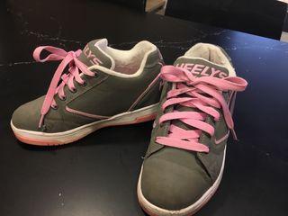 Zapatillas con ruedas Heelys. Talla 34,