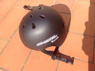 Casco skate O'neill