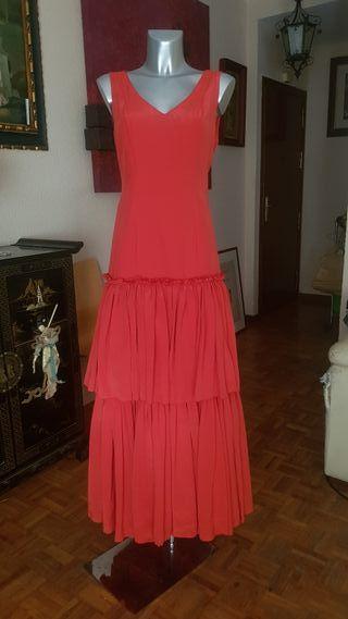 Traje de flamenca,gitana .Bata rociera.Rojo