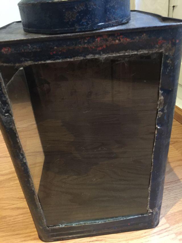 Antigua Urna con dos cristales