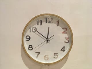 Reloj de pared Quartz. Grande.