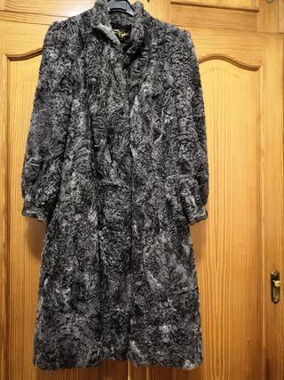 Abrigo de piel de astracán