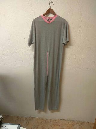 ccf3aafa1c Pijama mono adaptado. 30 €. Pijama mono adaptado. Es para mujeres mayores o  dependientes.