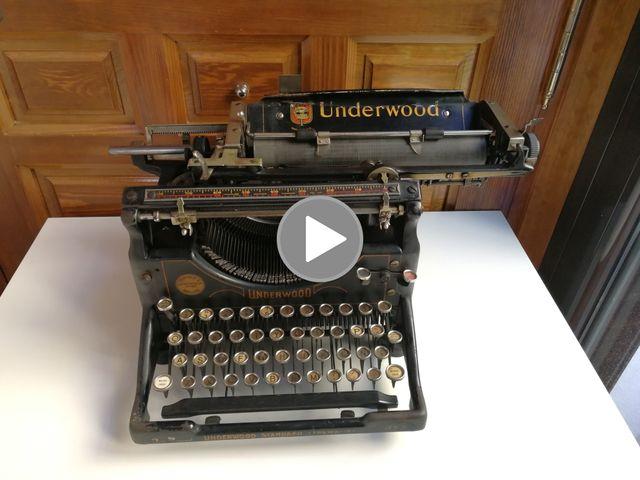 Antigua Máquina de escribir Underwood Nº 5