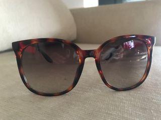 0b480416e5 Gafas de sol de segunda mano en Sanlúcar de Barrameda en WALLAPOP