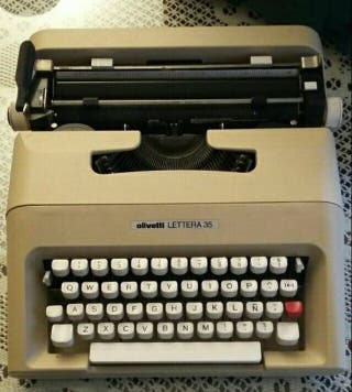 Máquina de escribir Olivetti Lettera 35